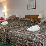 Anchorage Inn Burlington Family Room Pic