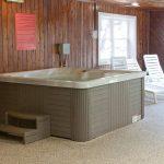 Anchorage Inn Burlington Hot Tub Pic